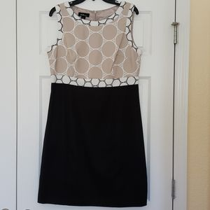 Stunning Geometric Black & Tan Dress